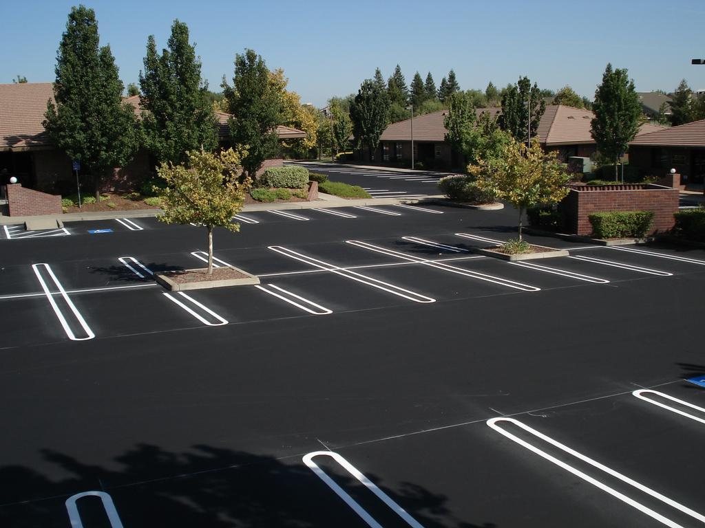 Parking Lot Striping in Gulfport, ADA Parking lot Compliance, Fire Land Striping, Handicap Parking